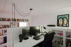 Decoração de apartamento pequeno, decoração minimal, paredes brancas, decoração branca, home office, escritório em casa.