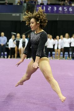 UCLA gymnast Katelyn Ohashi performs her floor exercise during a. News Photo - Getty Images Gymnastics Problems, Gymnastics Videos, Acrobatic Gymnastics, Sport Gymnastics, Olympic Gymnastics, Olympic Games, Katelyn Ohashi, Flexibility Dance, Martial