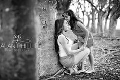 mother daughter photography depicting their loving and fun relationship through black and white and colour photographs - photography poses idea
