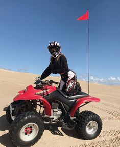 Atv Accessories To Make That Next Flight Memorable – The Towing Guide Kendalll Jenner, Best Atv, Atv Riding, Atv Accessories, Dirt Bike Girl, Quad Bike, Summer Vibes, How To Memorize Things, Photos