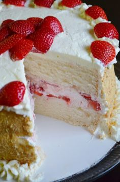 Strawberry, Mascarpone Layer Cake - - this recipe makes WONDERFUL birthday cake/cupcakes (without strawberries, etc. It's a moist cake that has a wonderful dense and tender texture. Cupcakes, Cupcake Cakes, Sweet Recipes, Cake Recipes, Dessert Recipes, Kolaci I Torte, Strawberry Desserts, Lemon Strawberry Cake, Strawberry Filling For Cake