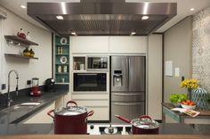 Cozinha: Cozinhas translation missing: br.style.cozinhas.moderno por Arquitetura 8 - Ana Spagnuolo & Marcos Ribeiro