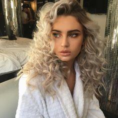 Curly platinum blonde hair  Pinterest: @axtuba  Instagram: @totallytuba