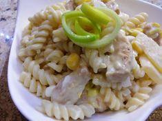 RECEPT: Vynikajúci cestovinový šalát s kuracím mäsom Pasta Salad, Risotto, Macaroni And Cheese, Ethnic Recipes, Food, Anna, Mac Cheese, Mac And Cheese, Meal