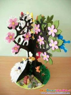 Seasons activities for preschoolers Diy Arts And Crafts, Paper Crafts, Diy Crafts, Diy Paper, Diy For Kids, Crafts For Kids, Seasons Activities, Egg Carton Crafts, Paper Tree