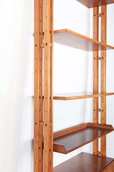 Bookshelf by Franco Albini Timber Furniture, Deco Furniture, Cool Furniture, Furniture Design, Wood Bookshelves, Bookcase Shelves, Woodworking Lamp, Easy Woodworking Projects, Modern Room Design