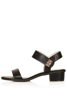 Black sandals, Topshop £28 ❤️