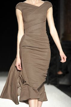 Talbot Runhof at Paris Fashion Week Spring 2011 | StyleBistro