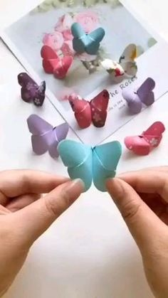 Christmas Crafts For Kids, Christmas Diy, Creative Crafts, Easy Crafts, Diy Paper, Paper Crafts, Paper Art, Origami Bouquet, Simple Butterfly