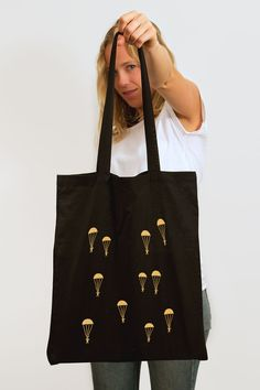 PARACHUTES TOTE — OUT OF OFFICE