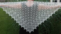 Fragaria Lace Shawl     http://www.ravelry.com/patterns/library/fragaria-lace-shawl
