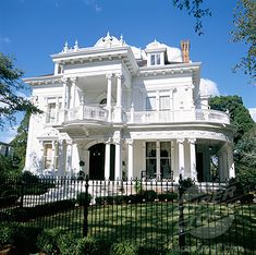 Wedding Cake House, 5807 St Charles Ave, New Orleans, Louisiana.  Victorian colonial-revival home designed by architects Toledano and Reusch 1896.