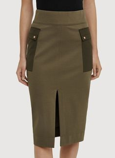Conceptualized by our designer-in-residence at your Gastown showroom in Vancouver, this tailored pencil skirt unites two of our proprietary stretch fabrics, Kaymace™, with tonal Ontace™ pockets that lay flat against your body and flatter your shape. A hidden phone pocket in the signature ergonomic waistband keeps your technology close at hand and an exaggerated slit makes power striding a breeze.