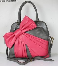 Gray purse with pink wrapped bow.  Adorable!