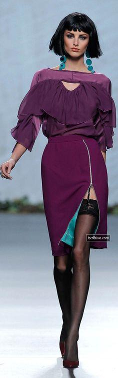 Francis Montesinos FW 2013 magenta and turquoise Fashion Mode, Runway Fashion, High Fashion, Womens Fashion, Fashion Trends, Vestido Dress, Cute Short Dresses, Turquoise And Purple, Purple Wine