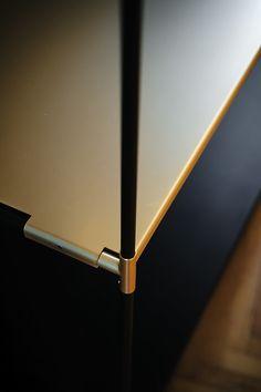 Shelf Furniture, Metal Furniture, Furniture Design, Joinery Details, Hotel Room Design, Display Shelves, Display Ideas, Shelving, Shelf Design