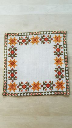 Beautiful autumn cross stitch embroidered tablecloth in white linen from Sweden Tiny Cross Stitch, Simple Cross Stitch, Cross Stitch Borders, Cross Stitch Designs, Cross Stitch Patterns, Kurti Embroidery Design, Diy Embroidery, Cross Stitch Embroidery, Star Patterns