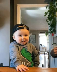 Cute Baby Boy Images, Cute Baby Photos, Cute Love Pictures, Cute Funny Baby Videos, Cute Funny Babies, Funny Videos For Kids, Funny Kids, Baby Pictures, Cute Kids
