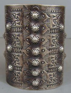 RARE-Early-Vintage-Harvey-Era-NAVAJO-Silver-THUNDERBIRD-Wide-Cuff-Bracelet