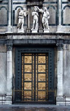 eccellenze-italiane: IT10ASJ Baptistery Door Perspective, Florence Italy 2010 by CanadaGood on Flickr. La Porta del Paradiso, Lorenzo Ghibe...