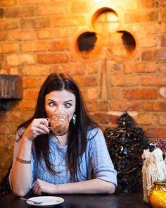 Aisling Bea by Karla Gowlett Female Comedians, Stand Up Comedians, Aisling Bea, The Mick, Non Blondes, Hello Ladies, British Comedy, Beautiful People, Actresses