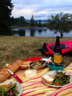 The Best Picnic, 10 Rules for Succesful Eating Outside: Foodie Underground: Dine al fresco with a picnic this spring!