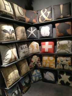 Pillows - Can't tell which I like best! via @roomologyblog at #hpmkt