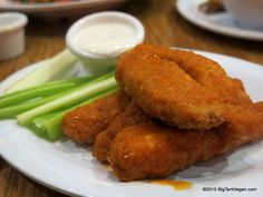 Buffalo Wings with Creamy Ranch Dressing, Veggie Grill (Irvine, CA) #vegan