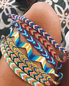 Fashion Anklets Bracelets - Add flare to your style, express your creativity Bracelet Fil, Bracelet Crafts, Bracelet Making, Anklet Bracelet, Thread Bracelets, Embroidery Bracelets, Beaded Bracelets, String Bracelets, String Bracelet Designs