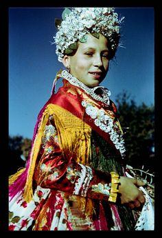 From Doroszló, NHA Néprajzi Múzeum   Online Gyűjtemények - Etnológiai Archívum, Diapozitív-gyűjtemény Folk Costume, Costumes, Traditional Clothes, Folk Music, World Cultures, Homeland, Hungary, Genealogy, Roots
