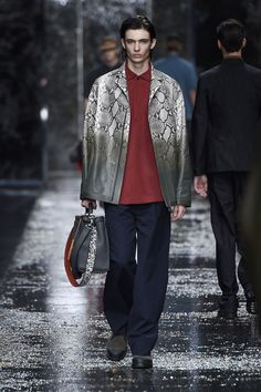 Look number 9 from the Fendi men's SS16 collection