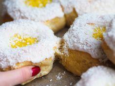 Sweet Buns, Christmas Tree Farm, Vanilla Cream, Mashed Potatoes, Food And Drink, Cookies, Baking, Breakfast, Ethnic Recipes