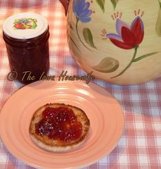 The Iowa Housewife: Home Canned Strawberry Jam