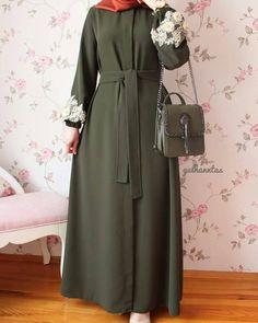Moslem Fashion, Niqab Fashion, Modest Fashion Hijab, Fashion Dresses, Hijab Style Dress, Modele Hijab, Stylish Hijab, Mode Abaya, Iranian Women Fashion