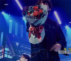 180601 #V // [뮤직뱅크 1위곡] #BTS(방탄소년단) FAKE LOVE