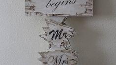 Grote #wegwijzer (ongeveer 1mtr 60 hoog) ter #decoratie bij een #feestlocatie voor een #bruiloft.#Tekst kan aangepast worden naar uw eigen wensen.Versturen, gezien de afmeting niet mogelijk dus eventueel ophalen.