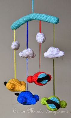Pining this now and checking it later Crochet Wool, Crochet Quilt, Crochet Crafts, Crochet Projects, Sewing Crafts, Crochet Baby Mobiles, Crochet Mobile, Crochet For Boys, Love Crochet
