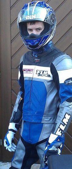Bike Suit, Motorcycle Suit, Bike Leathers, Riders On The Storm, Biker Boys, Biker Gear, Hot Teens, Hot Guys, Bikers