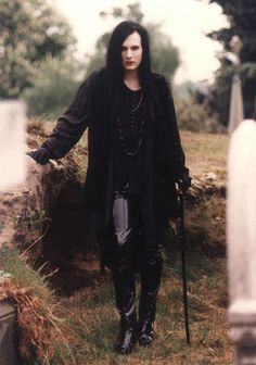 Men's classic gothic outfit. I like that this looks elegant and well put together. A great choice and very good looking.