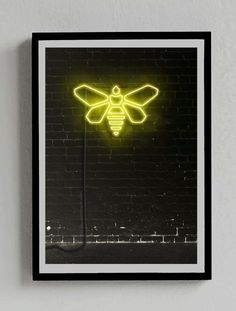 "Breaking Bad ""Bee"" Neon Sign Poster  You can get it at: https://www.etsy.com/es/listing/210064161/breaking-bad-simbolo-abeja-senal?ref=shop_home_active_9"