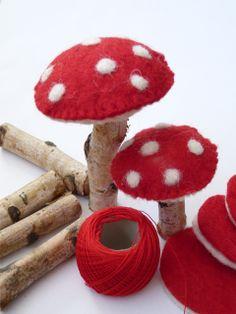 "100%Heppie: Heerlijke...(mushrooms would be interesting by using ""chunky"" drift wood, too!)...."