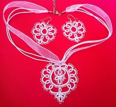 Мир хобби, рукоделия и дизайна's photos Tatting Tutorial, Tatting Jewelry, Crochet Clothes, Doilies, Diy And Crafts, Jewelry Making, Quilts, Stitch, Earrings