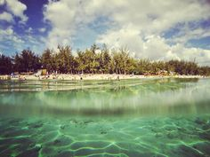 Dernier bain #duddytravel #beach #lareunion #snorkeling by le_steph_75