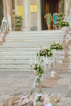 Outdoor church decoration in giddiness tones and special floral compositions.