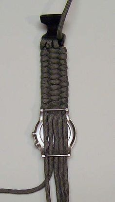 This tutorial will show how to make a paracord bracelet or watch band using a weaving method. More knot work with releated links and resources can be seen on my projects tactical Woven Paracord Bracelet/watchband Paracord Watch, Paracord Knots, Rope Knots, Macrame Knots, Paracord Bracelets, Survival Bracelets, Knot Bracelets, Parachute Cord Bracelets, Paracord Braids