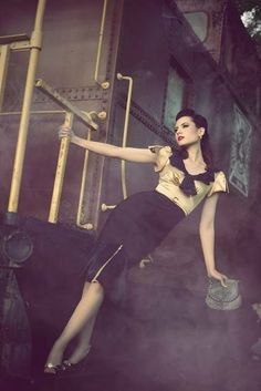 vintage fashion photography | vintage fashion | Photos - Human I want amresse to try this pose