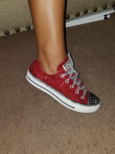 594f3cd704a1 Make your Converse shoes sparkle with this glittery how-to!  glitter ...