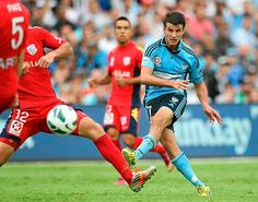 Terry Antonis of Sydney FC scores the first goal during the A-League match between Sydney FC and Adelaide United. 16 Feb 2013.