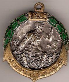 BEFORE 1939 3 COLONIAL RIC Drago Beranger deposited enamel.
