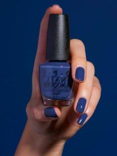 january nails Haare und Make-up Trending Nagelfarben Herbst Winter 01 How To Survive A Cute Nail Polish, Nail Polish Stickers, Nail Polish Colors, Gel Polish, January Nail Colors, Fall Nail Colors, Toe Nail Color, Green Nails, Christmas Nail Art